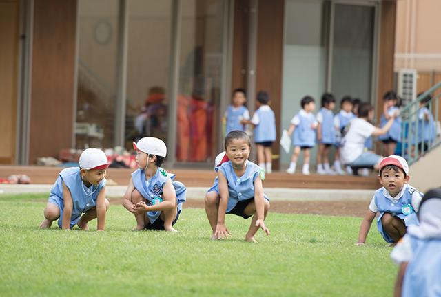 全園児で体操の写真
